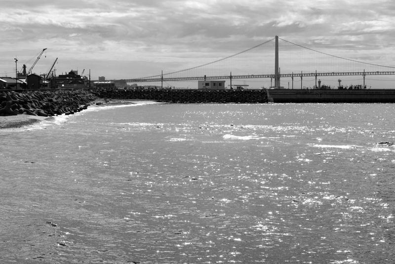 明石大橋を望む_e0053660_2073768.jpg
