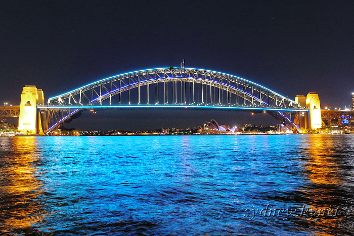 vivid sydney 2015 ~4~ Harbour Bridge_f0084337_10324290.jpg