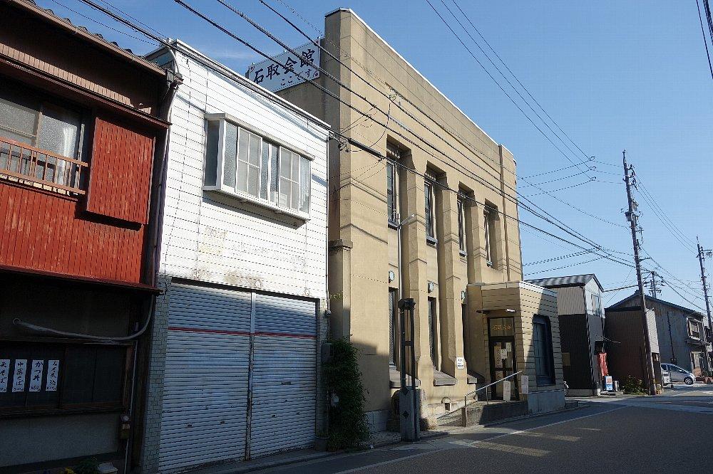 桑名市石取会館_c0112559_8545122.jpg