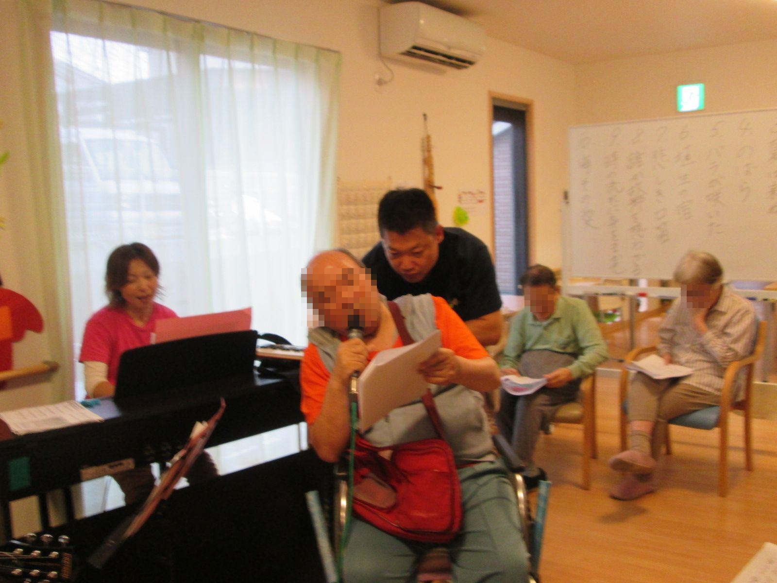 フラダンス教室&音楽会_a0135191_15223768.jpg
