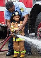 アメリカではしょっちゅうニュースになる、皆のヒーロー消防士さん_b0007805_2104674.jpg