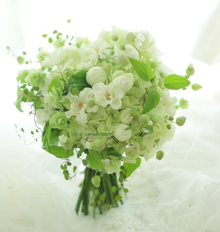 5シェアブーケ ウェスティンホテル東京様へ 6月の淡い緑のブーケ _a0042928_21382196.jpg