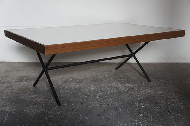 XLC Table_a0161631_1313533.jpg
