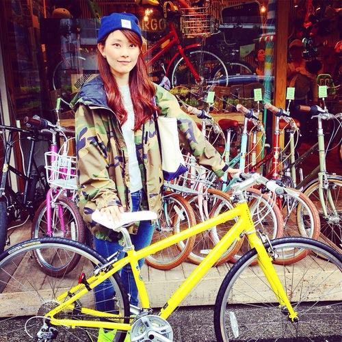 ☆今日のバイシクルガール10本立て☆ 自転車女子 おしゃれ 自転車ガール ミニベロ クロスバイク ロード _b0212032_20205850.jpg