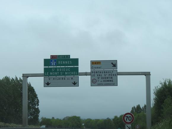 SKY150615 サン・マロ湾に浮かぶ修道院モン・サン・ミッシェルへ、高速道路から一般道路へ入ると_d0288367_16123153.jpg