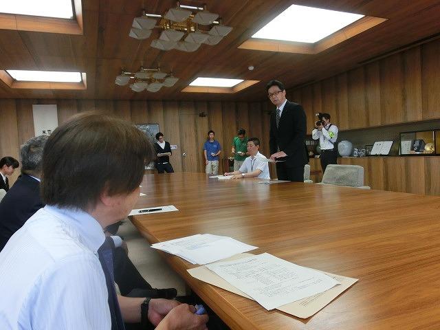 全日本アルティメット選手権に出場する市内の男女チームが副市長を表敬訪問_f0141310_7531412.jpg