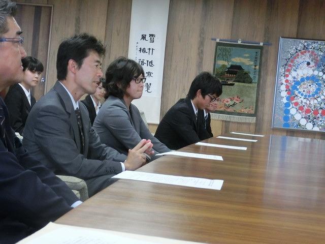 全日本アルティメット選手権に出場する市内の男女チームが副市長を表敬訪問_f0141310_7534340.jpg