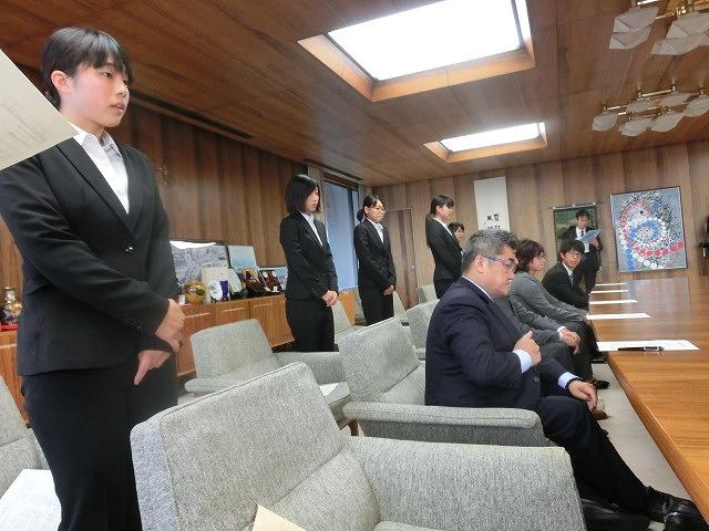 全日本アルティメット選手権に出場する市内の男女チームが副市長を表敬訪問_f0141310_7535410.jpg