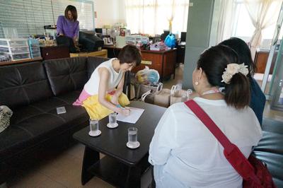 発展途上国の子供たちへの寄付。障害がある子供たちが通う学校に行ってきました。/文:島本美由紀_a0083222_15182320.jpg