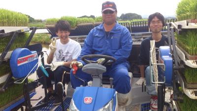 かがみいし田んぼアート 田植祭りの前に農作業だ!_e0140921_22154485.jpg