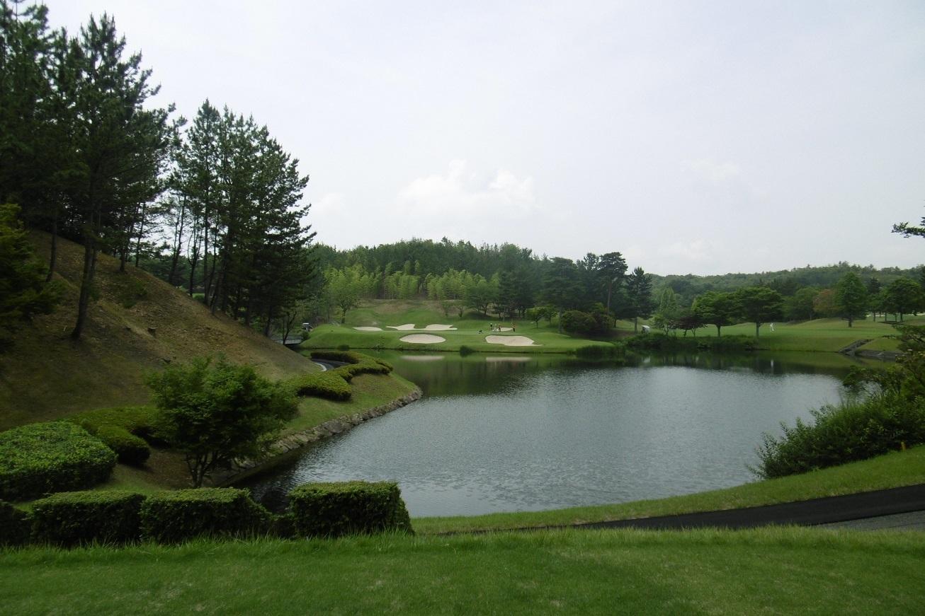 梅雨の合間のゴルフ_f0205367_18101221.jpg
