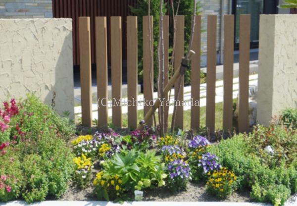 宿根草と低木の花壇植栽_a0139105_20523250.jpg