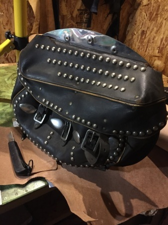 H-D 純正オプション Deluxe Saddle Bags  レストアPart1_c0332424_00480016.jpg