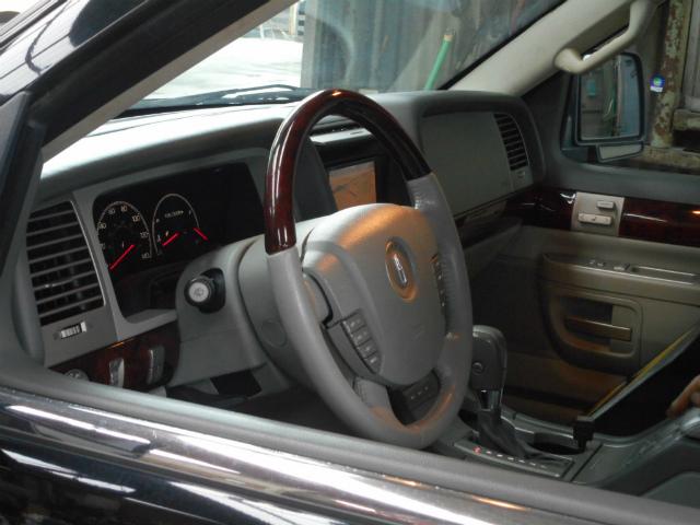 外車のご用命は 掛川・中央自動車へ。リンカーン・アビエーター_c0267693_20155090.jpg
