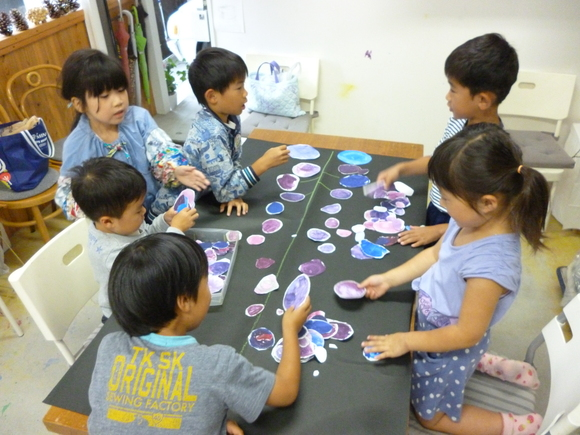 6月の混色レッスン「大きなブドウ」 *園児~低学年の子たち_b0215321_19505863.jpg