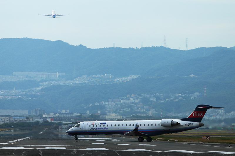 伊丹空港へ_a0003650_21282319.jpg