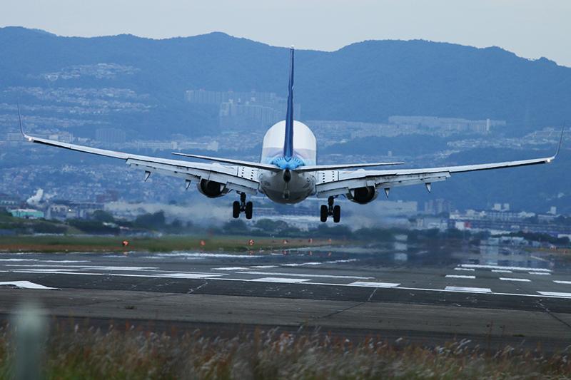 伊丹空港へ_a0003650_21413550.jpg