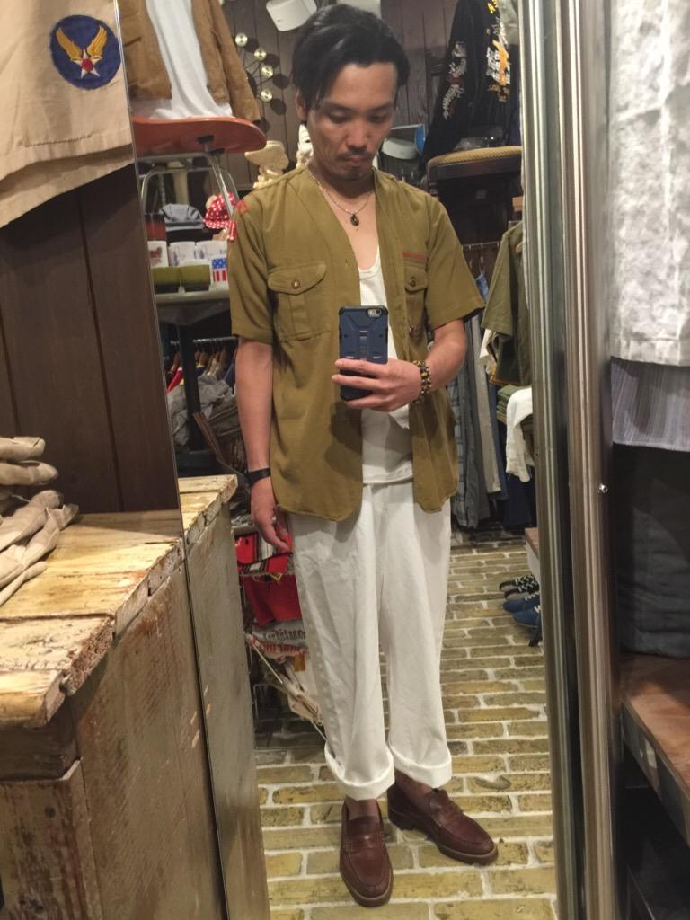 襟なしシャツの魅力!+本日のお知らせです。(T.W.神戸店)_c0078587_1464039.jpg