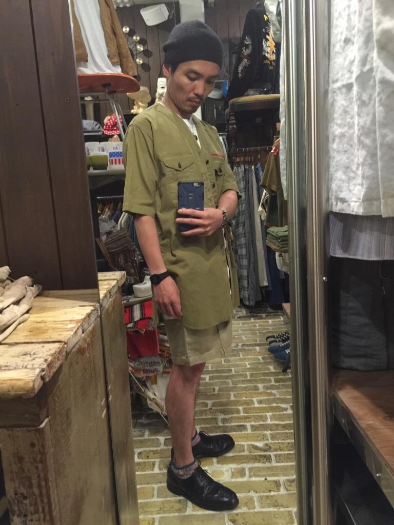 襟なしシャツの魅力!+本日のお知らせです。(T.W.神戸店)_c0078587_1492553.jpg