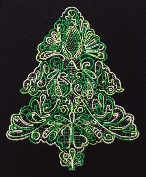 レース編みクリスマスツリーを段染め糸で刺繍しました♪_c0316026_18002363.jpg