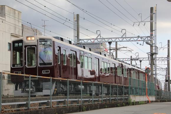 阪急8040系 箕面線_d0202264_2337697.jpg