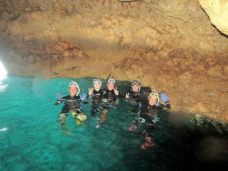 青の洞窟はボートのみOK!!_a0156273_18255339.jpg