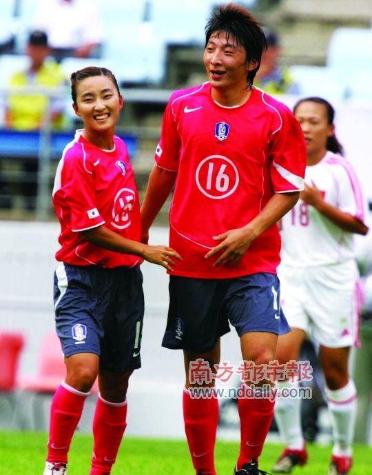 韓国女子サッカー、W杯に男子を送り込む!?:ついに「女に成りすまし」の芸か!?_e0171614_15111149.jpg