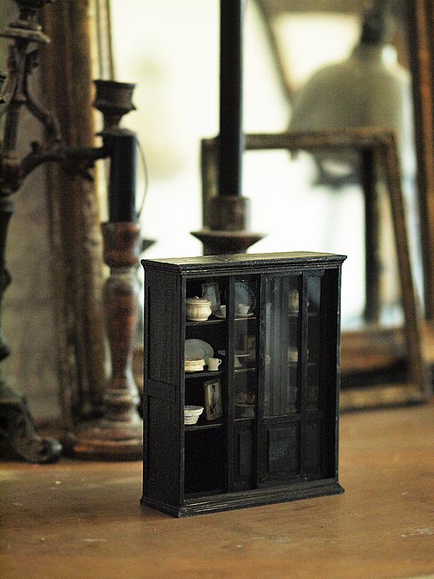 miniature* スライド式扉の家具 と、週末のお出かけ。_e0172847_15371019.jpg