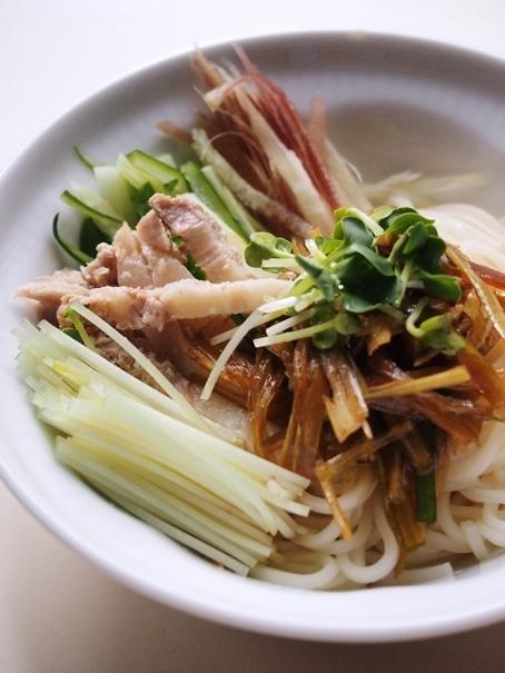 煮豚の葱ソース麺_e0148373_13384511.jpg