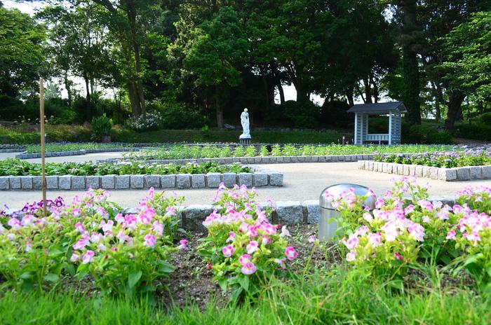 """""""彫刻と湖と花~ときわ公園をプチ散歩""""_d0153941_1814244.jpg"""