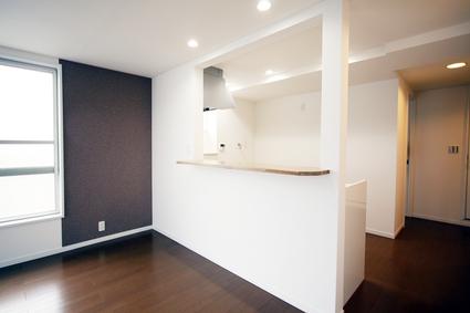 ~内装フルリフォーム!採光良好で、白い壁が映えるマンション~_e0165885_10481115.jpg