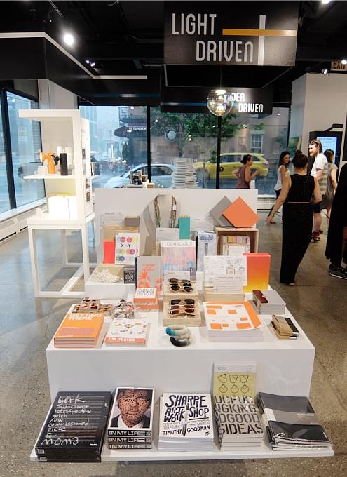 NYの新感覚小売店、ストーリー(Story)が、ついに「クリエイティビティ」編?!_b0007805_1562188.jpg