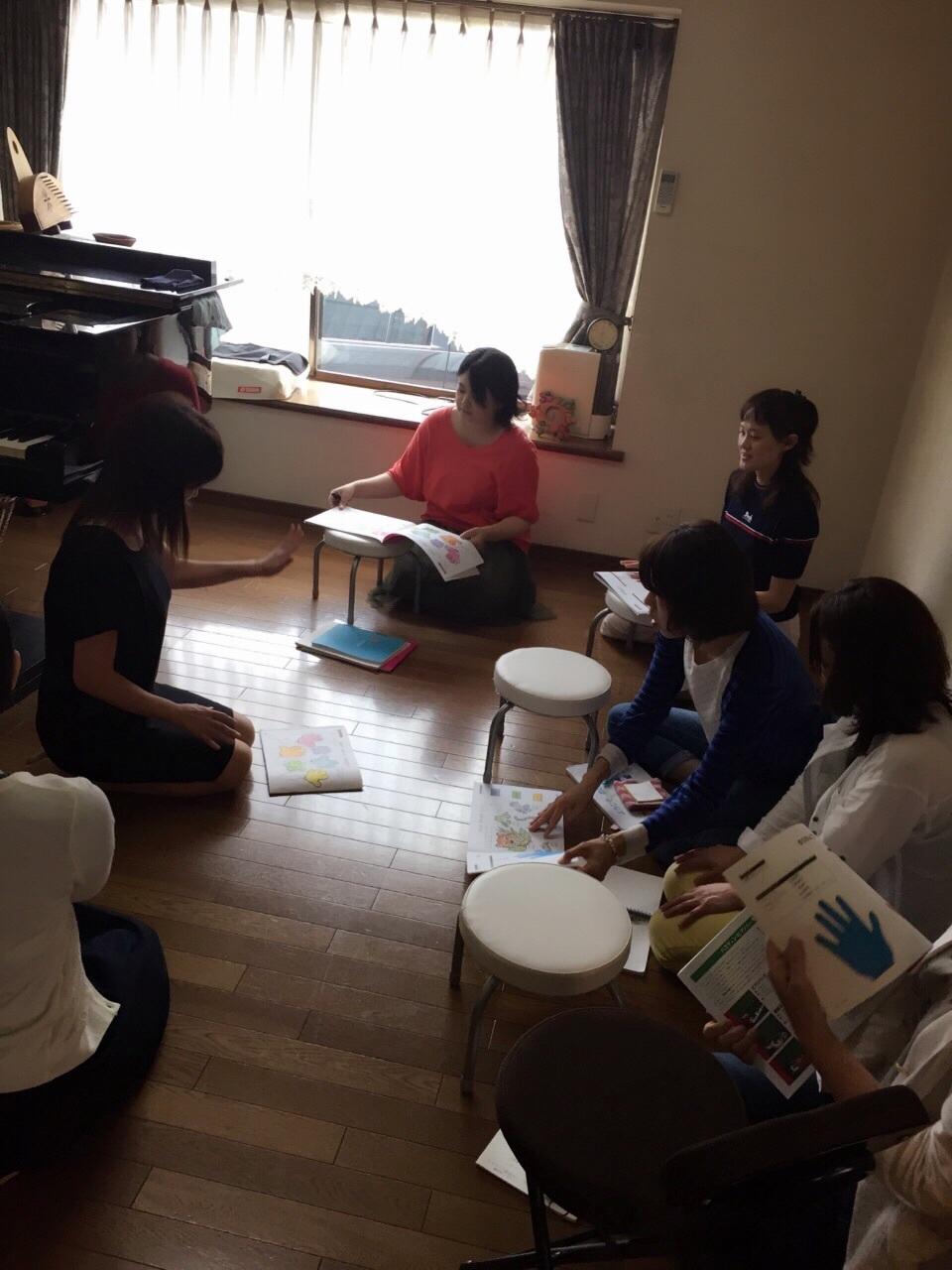 音脳2歳ピアノリトミック勉強会_b0226863_10112908.jpg