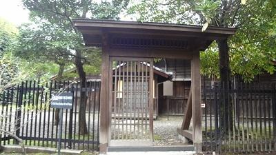 漱石先生の3番目のおうち♪_b0228113_11292387.jpg