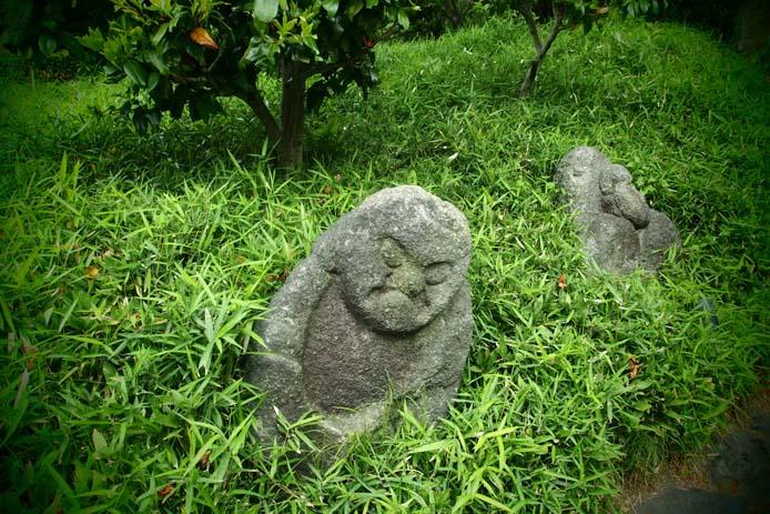 椿山荘の五百羅漢 - Ⅰ_d0149245_2234685.jpg