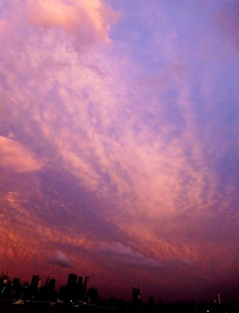 ジョー・ディスペンサーのメッセージ&ゴージャス夕焼けとステンドグラスの世界_b0173754_14153972.jpg