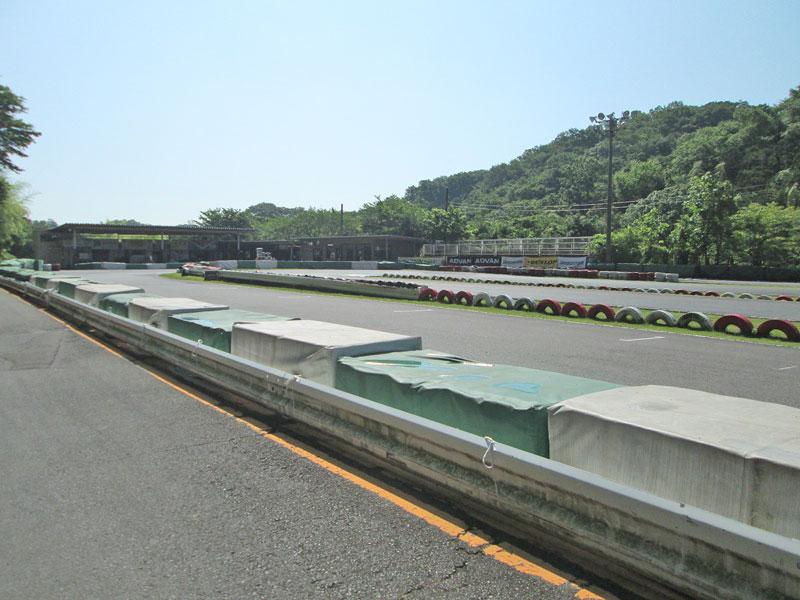 今日は大井松田カートランドでミニバイク遊びーヽ(^。^)ノ_c0086965_0113783.jpg