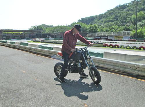 今日は大井松田カートランドでミニバイク遊びーヽ(^。^)ノ_c0086965_0132078.jpg