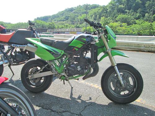 今日は大井松田カートランドでミニバイク遊びーヽ(^。^)ノ_c0086965_0145336.jpg