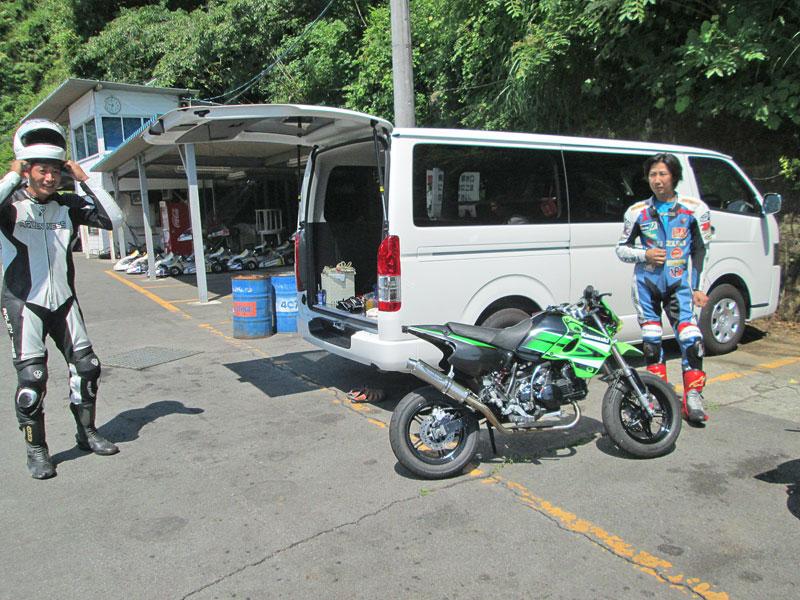 今日は大井松田カートランドでミニバイク遊びーヽ(^。^)ノ_c0086965_0154513.jpg