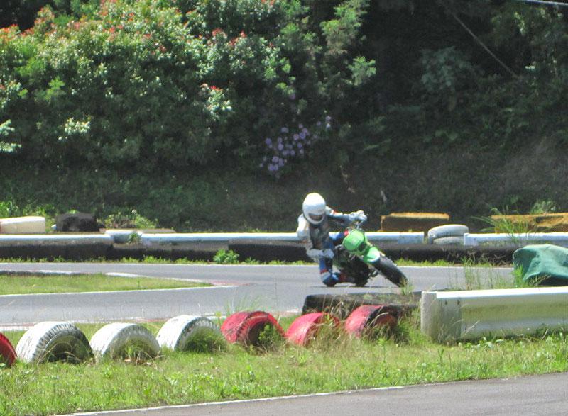今日は大井松田カートランドでミニバイク遊びーヽ(^。^)ノ_c0086965_0183097.jpg