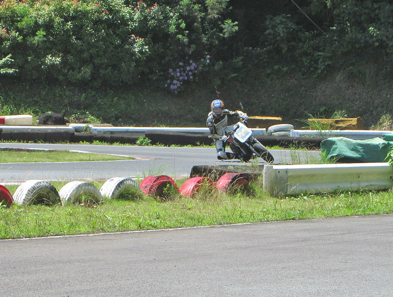 今日は大井松田カートランドでミニバイク遊びーヽ(^。^)ノ_c0086965_0221694.jpg