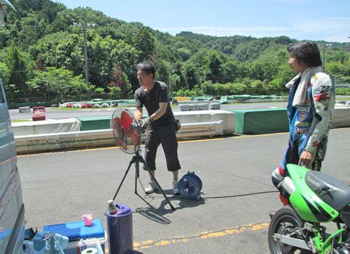 今日は大井松田カートランドでミニバイク遊びーヽ(^。^)ノ_c0086965_02466.jpg