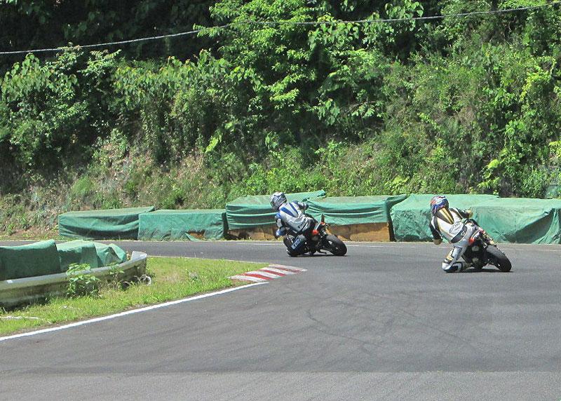 今日は大井松田カートランドでミニバイク遊びーヽ(^。^)ノ_c0086965_029193.jpg