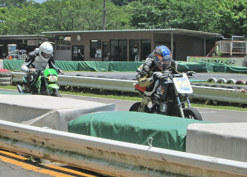 今日は大井松田カートランドでミニバイク遊びーヽ(^。^)ノ_c0086965_0321412.jpg