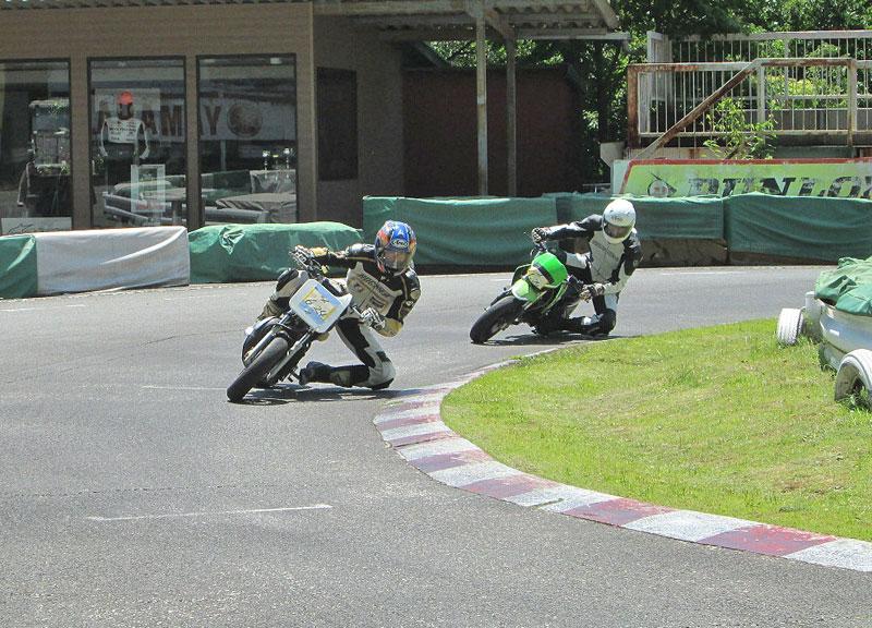 今日は大井松田カートランドでミニバイク遊びーヽ(^。^)ノ_c0086965_0331292.jpg