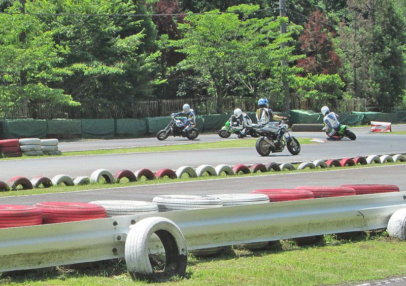 今日は大井松田カートランドでミニバイク遊びーヽ(^。^)ノ_c0086965_035594.jpg