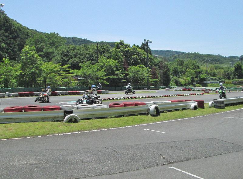 今日は大井松田カートランドでミニバイク遊びーヽ(^。^)ノ_c0086965_0363960.jpg