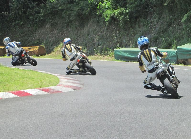 今日は大井松田カートランドでミニバイク遊びーヽ(^。^)ノ_c0086965_036647.jpg