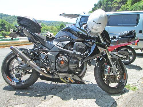 今日は大井松田カートランドでミニバイク遊びーヽ(^。^)ノ_c0086965_0374444.jpg